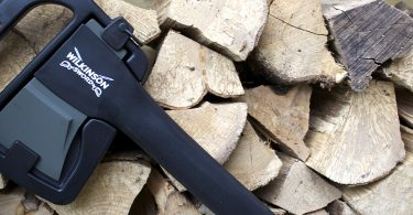 how_to_chop_wood_with_a_splitting_axe